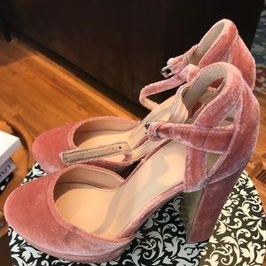 404bfea1c21 Shoes - 💕Coco Wren Velvet Platform Shoe